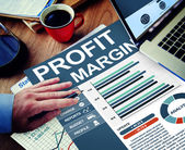 Businessman working with Profit Margin — Stock Photo