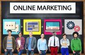 Diverse mensen en online marketing concept — Stockfoto