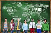 Concepto de apoyo y personas diverso — Foto de Stock