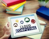 Hands holding tablet with Cloud Computing — Stock Photo