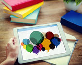Příležitostné lidé zpráva hovoří komunikační koncept — Stock fotografie