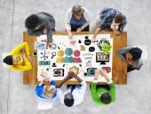 Groep van mensen en team vertrouwen en help concept — Stockfoto