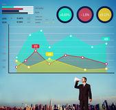 Человек, выступая в мегафон и финансирования роста — Стоковое фото
