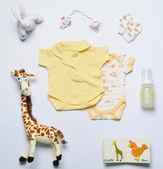 Üstten Görünüm ayarla moda trendy malzeme ve yeni doğan bebek için oyuncaklar — Stok fotoğraf