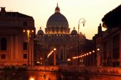 Evening view on Vatican Cathedral, Italy — Stock Photo
