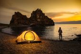 Camping at lake and beautiful sunset — Stock Photo