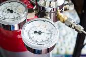 Pressure gauge on a gas regulator of a gas tank in a laboratory — Stock Photo