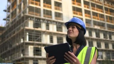 Woman with digital tablet — Stock Video