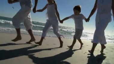 Grandparents with grandchildren — Stock Video