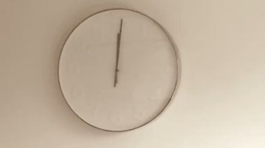 Moving arrows on wall clock — Stock Video
