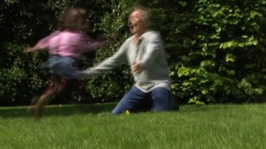 Father playing with daughters — Stock Video