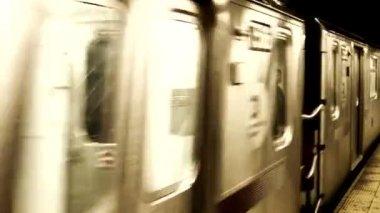New York subway train — Stock Video
