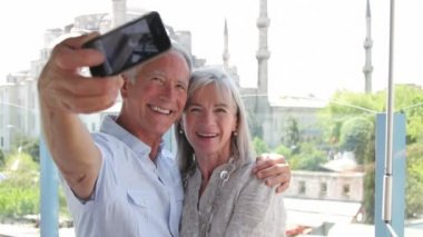Couple taking picture — Stock Video