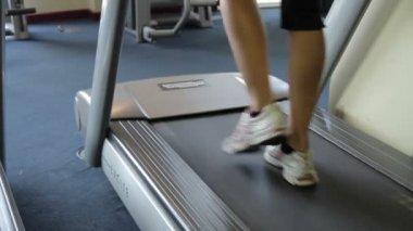 Foot running treadmills — Video Stock