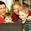 Family using laptop — Stock Video #67046133