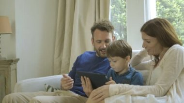 Family using digital tablet — Stock Video