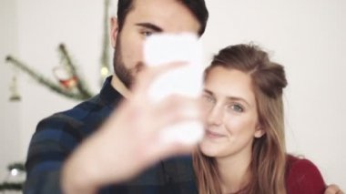 Man and woman taking selfie — Stock Video
