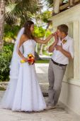 Bride and groom at wedding Day walking Outdoors — Stock Photo