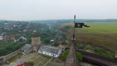 Aerial: Old castle in Kamenetz-Podolskiy, Ukraine. — Stock Video