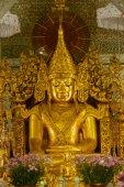 Golden Buddha in Golden Pagoda in Sanda Muni Paya in Myanmar. — Stock Photo