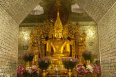 Golden Buddha in Golden Pagoda in Sanda Muni Paya in Myanmar. — Stock Photo