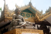Mingul Monument front of entrance Kuthodaw temple,Myanmar. — Stockfoto
