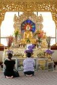 People worship of Golden Buddha in  pagodas on  Kuthodaw Pagoda ,Myanmar. — Photo