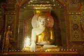 Sitting Buddha in Sutaungpyai Pagoda,Mandalay Hill,Myanmar. — Fotografia Stock