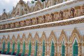 Arch entrance door of  U Min Thonze cave ,Sagaing hill,Myanmar. — Stock Photo