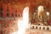 Buddha inside at wall pagoda of Nyan Shwe Kgua temple in Myanmar — Foto de Stock