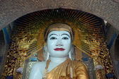 Sitting Buddha in Shwe Kyat Yat Pagoda,Myanmar. — Photo