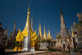 Ancient Buddhist temple in the area of the famous Inle lake in Myanmar. — Stock Photo