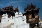 Beautiful wooden temple at Yan Shwe-Kgua on Inle lake in Myanmar — Stock Photo