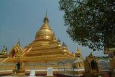 Golden temple  at Mandalay, Myanmar. — Zdjęcie stockowe