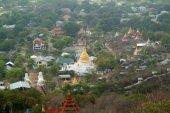 Top view of Myanmar temple from Mandalay hill, Myanmar. — Stockfoto