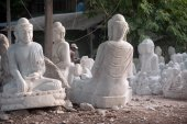 Group of Marble Buddha was carved Placed outside. — Stock Photo