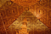 Myanmar ceiling art at centre in the main hall of Hpaung Daw U Pagoda. — Foto de Stock