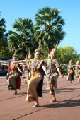 Thai traditional dancing in Loy Kratong Festival. — Stock Photo