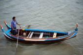 Traditional Boat On The Lake Near U-Bein Bridge In Myanmar. — Stock Photo