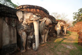 Elephant statue at pagoda in ancient temple . — Stock Photo