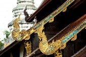 Thai art on roof church . — Stock Photo