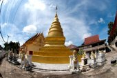 Golden pagoda in temple at Northern of Thailand. — Stock Photo