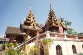 Pagoda of Myanmar style in Thai temple. — Stockfoto
