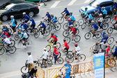 组的骑自行车者在无车日,曼谷,泰国. — 图库照片