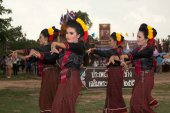 Group of traditional dancing in Ordination parade on elephant's  — Stockfoto