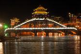 Nacht-Landschaft der Stadt Phoenix (Fenghuang alte Stadt ). — Stockfoto