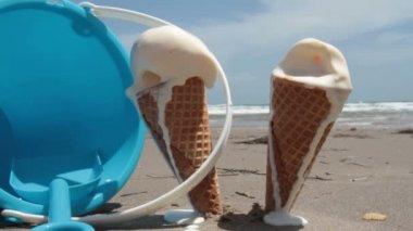 Melting, Dripping, Ice Cream Cones — Stock Video