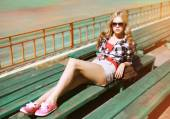 Summer fashion stylish girl posing in the city  — Stok fotoğraf
