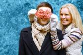 Christmas and people concept - happy young couple in love outdoo — Photo