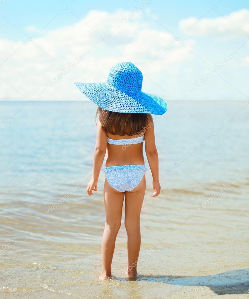 Фото детей на пляже лет 14